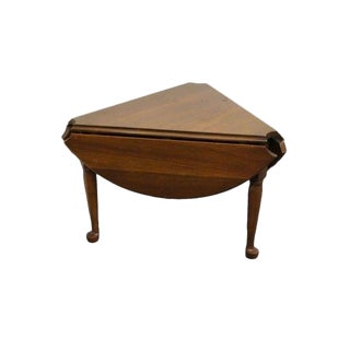 20th Century Traditional Harden Furniture Solid Cherry Drop Leaf Cloverleaf Side Table For Sale