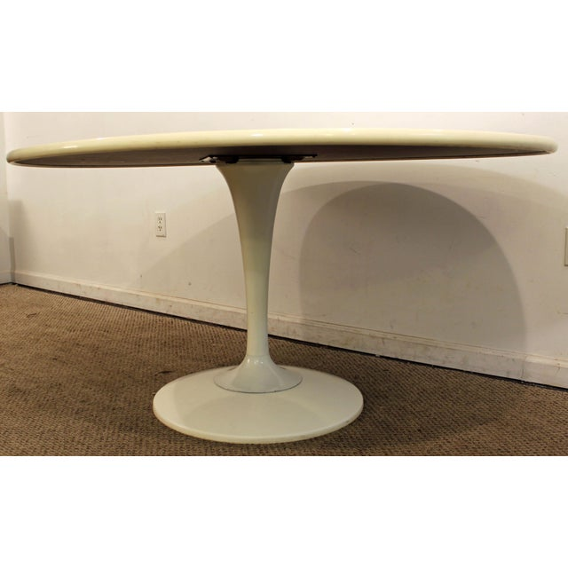 Mid 20th Century Chromcraft Danish Modern White Tulip Dining Table For Sale - Image 5 of 11