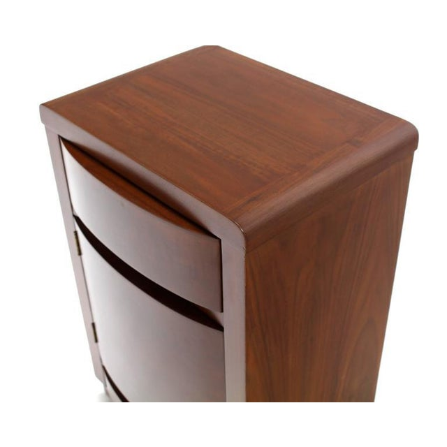 Pair of Art Deco Walnut End Tables Nightstands For Sale In New York - Image 6 of 9