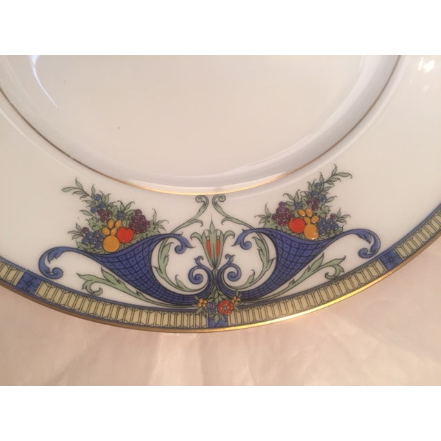 White Royal Worcester Porcelain Dinner Plates - Set of 12 For Sale - Image 8 of 12