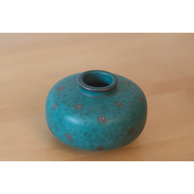 Mid-Century Modern Swedish Gustavsberg Argenta Art Pottery Mid Century Green Vase For Sale - Image 3 of 3