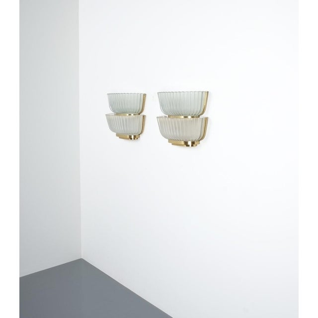 Gold Pair of Late Art Deco Glass and Brass Sconces Refurbished, Italy, Circa 1940 For Sale - Image 8 of 12