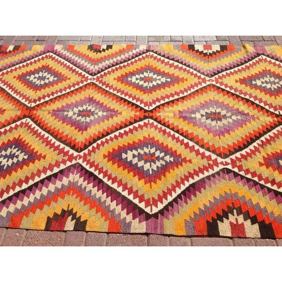 Vintage Turkish Kilim Rug - 5′5″ × 11′ For Sale - Image 4 of 6