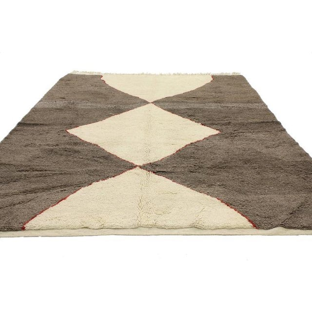 Contemporary Minimalist Berber Moroccan Rug with Mid-Century Modern Design For Sale - Image 3 of 5