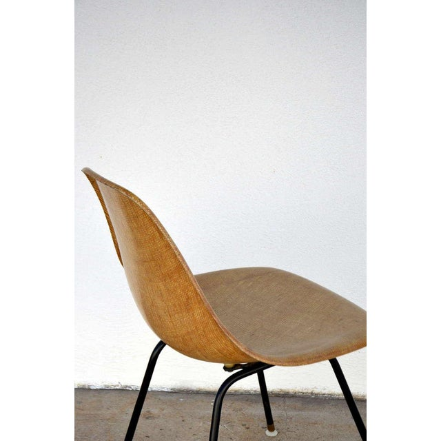 1950s Single Fiberglass Encasted Fabric Mesh Chair by Eames for Herman Miller For Sale - Image 5 of 8