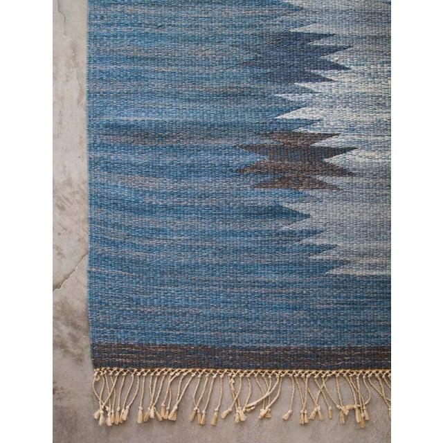 "Textile HANDMADE SWEDISH FLAT-WEAVE CARPET, SIGNED ""ML"", 1950S For Sale - Image 7 of 9"
