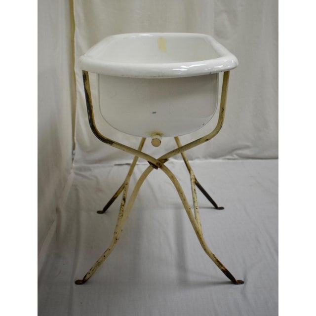 Vintage Porcelain Enamel Baby Bath For Sale - Image 4 of 9