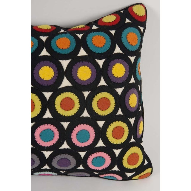 Traditional Pair of Vintage Penny Rug Wool Pillows For Sale - Image 3 of 7