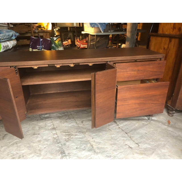 Mid Century Modern Rectangular Console Cabinet For Sale In Philadelphia - Image 6 of 10
