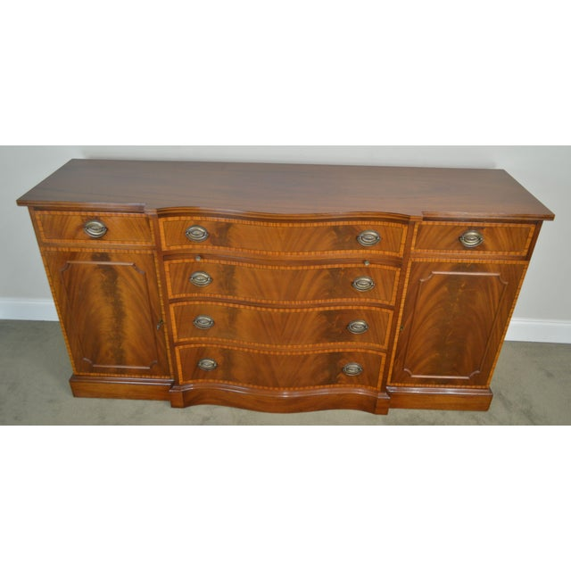 Mahogany Federal Style 1940's Custom Flame Mahogany Inlaid Buffet Sideboard For Sale - Image 7 of 13