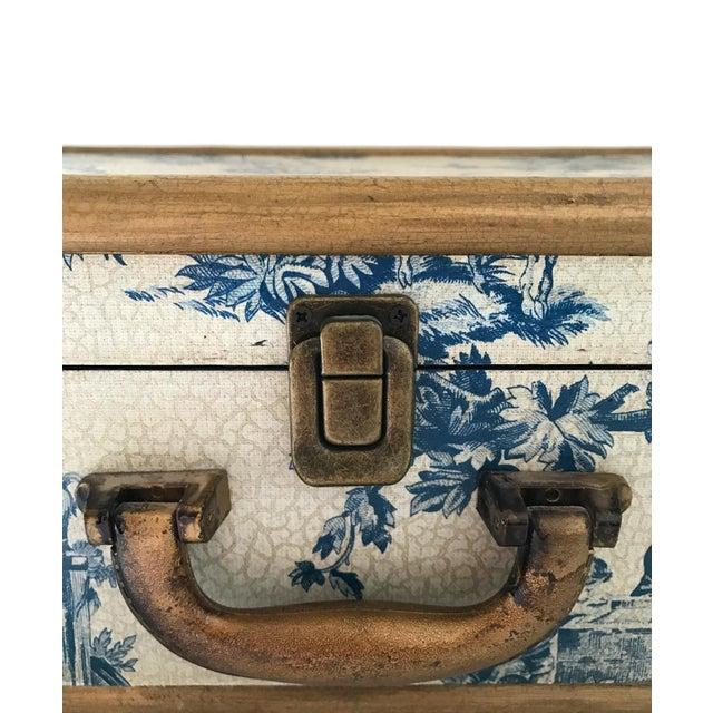 Antique Blue & White Toile Box - Image 2 of 9