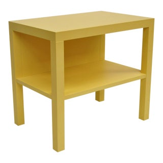 Modern Decca Yellow Grasscloth Raffia Wrapped Parsons Nightstand For Sale