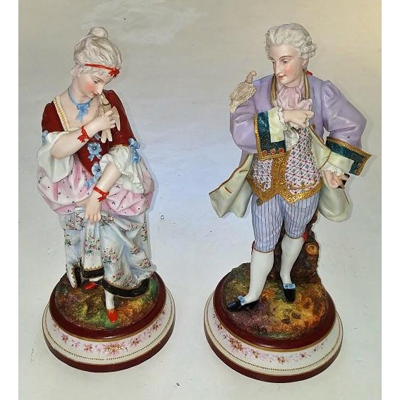 Blue Pair of 18c French Old Paris Porcelain Figurines- A Pair For Sale - Image 8 of 13