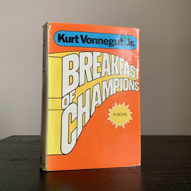 First Book Club Edition Hardcover. 1973 Breakfast of Champions by Kurt Vonnegut For Sale In New York - Image 6 of 6
