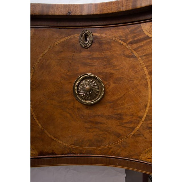 18th Century English George III Mahogany Inlaid Serpentine Sideboard For Sale - Image 9 of 9