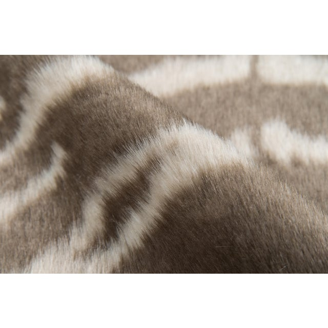 "Erin Gates by Momeni Acadia Zebra Grey Faux Hide Area Rug - 5'3"" X 7'10"" For Sale - Image 4 of 7"