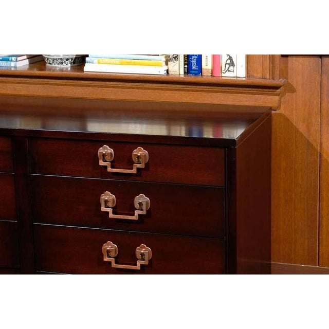 1950s Exquisite Restored Landstrom Eight Drawer Chest with Greek Key Handles For Sale - Image 5 of 9