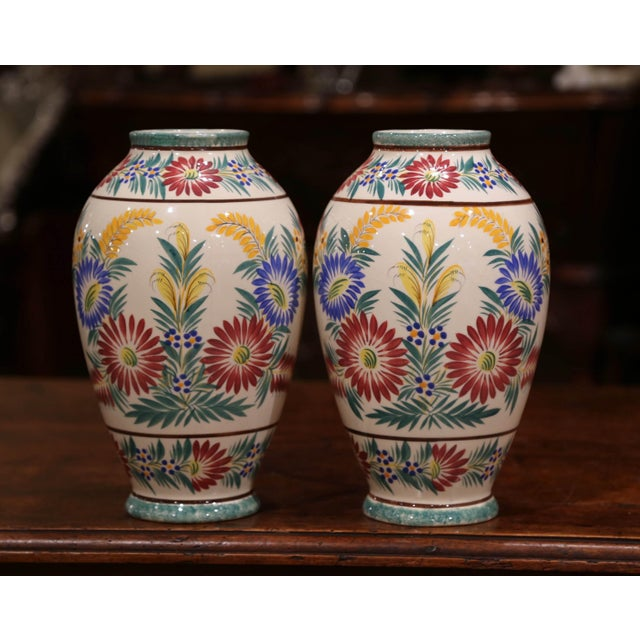 Pair of Early 20th Century French Hand Painted Vases Signed Hb Quimper For Sale In Dallas - Image 6 of 12