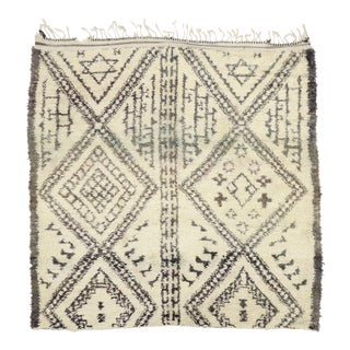 Vintage Beni M'Guild Moroccan Rug - 06'08 X 06'08 For Sale