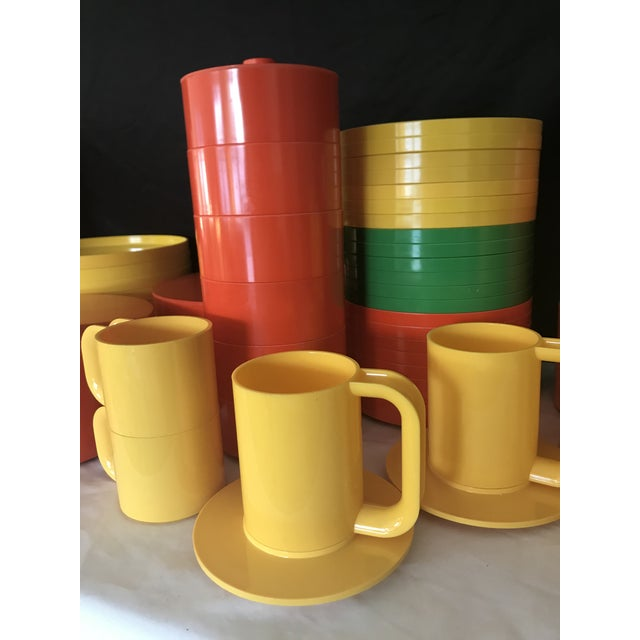Italian Massimo Vignelli for Heller Melamine Multi-Colors Dinnerware Set - 83 Pieces For Sale - Image 9 of 13