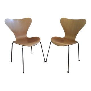 Mid Century Modern Arne Jacobsen Fritz Hansen Chairs - A Pair For Sale