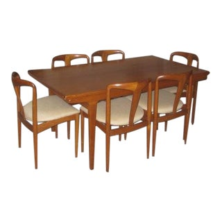 """Extendable Rosewood Teak Dining Table Set by Johannes Andersen With 6 """"Julienne"""" Chairs For Sale"""
