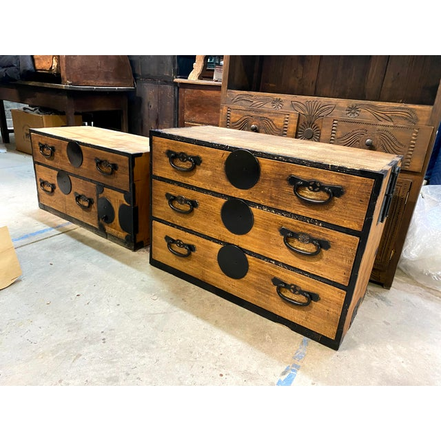 Mid 19th Century Japanese Meiji Period Kiri Wood Tansu Clothing Cabinet For Sale - Image 11 of 13