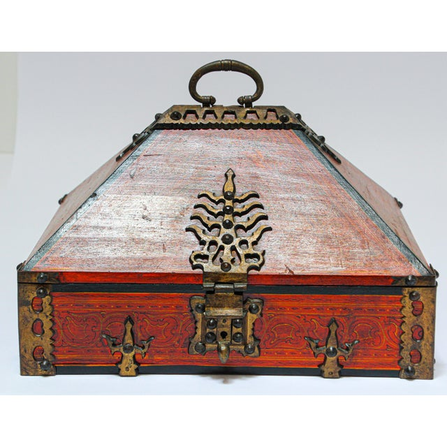 Mid 20th Century Large Decorative Indian Jewelry Box With Brass, Kerala Nettur Petti For Sale - Image 5 of 13