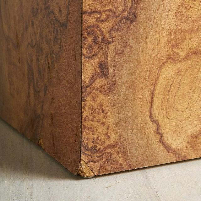 Mid-Century Modern Burl Effect Pedestal For Sale - Image 3 of 6
