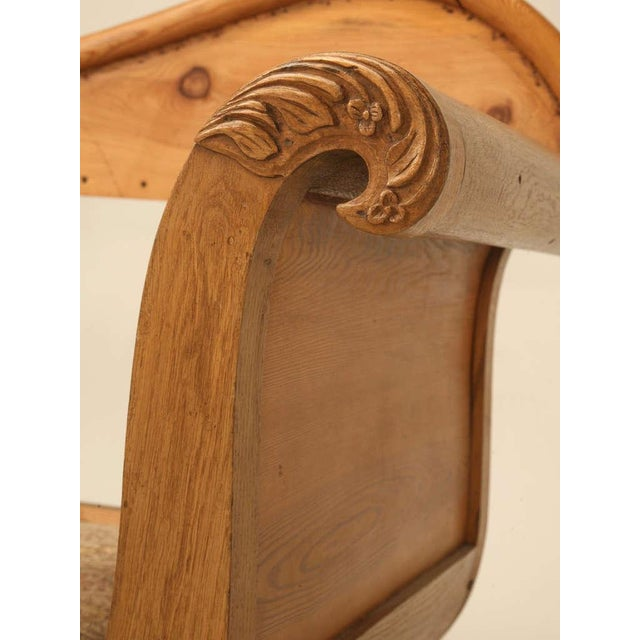 Sumptuous 19th C. Danish Pine Sleeping Bench W/Curves in All the Right Places - Image 6 of 10
