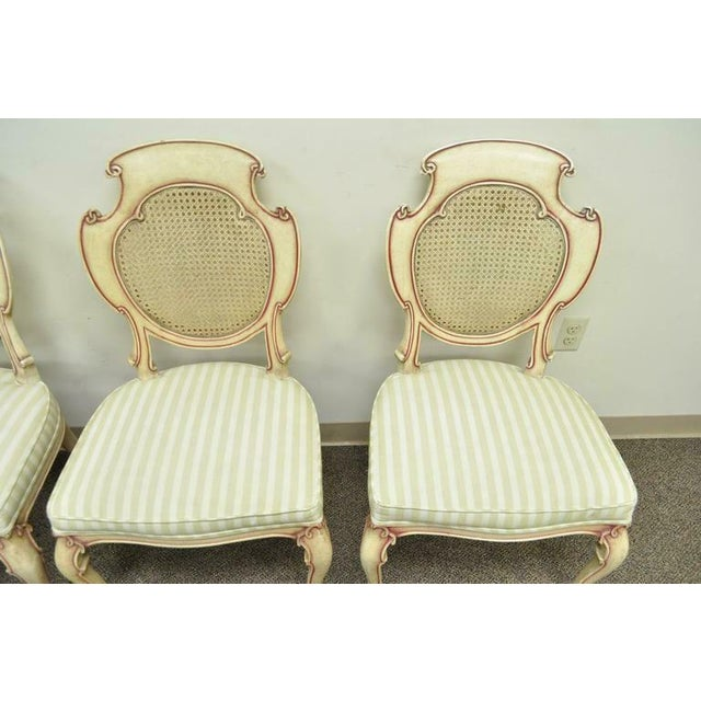 1950s Vintage Scroll Carved Italian Hollywood Regency Cream Pink Cane Back Dining Chairs- 4 Pieces For Sale In Philadelphia - Image 6 of 11