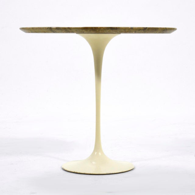 1960s Eero Saarinen Tulip Side Table With Marble Top For Sale - Image 5 of 12