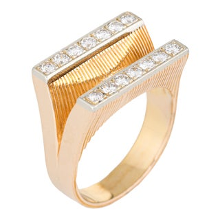 Vintage 14k Yellow Gold and Double Bar Diamond Ring - 8 For Sale
