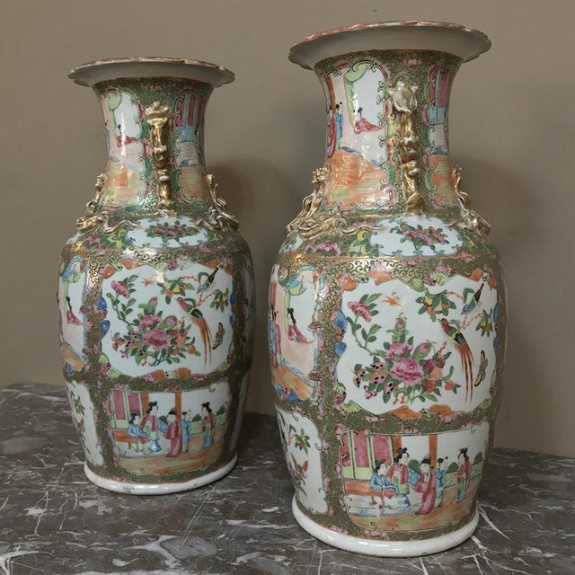 Pair 19th Century Hand-Painted Cantonese Rose Medallion Porcelain Vases For Sale - Image 9 of 13