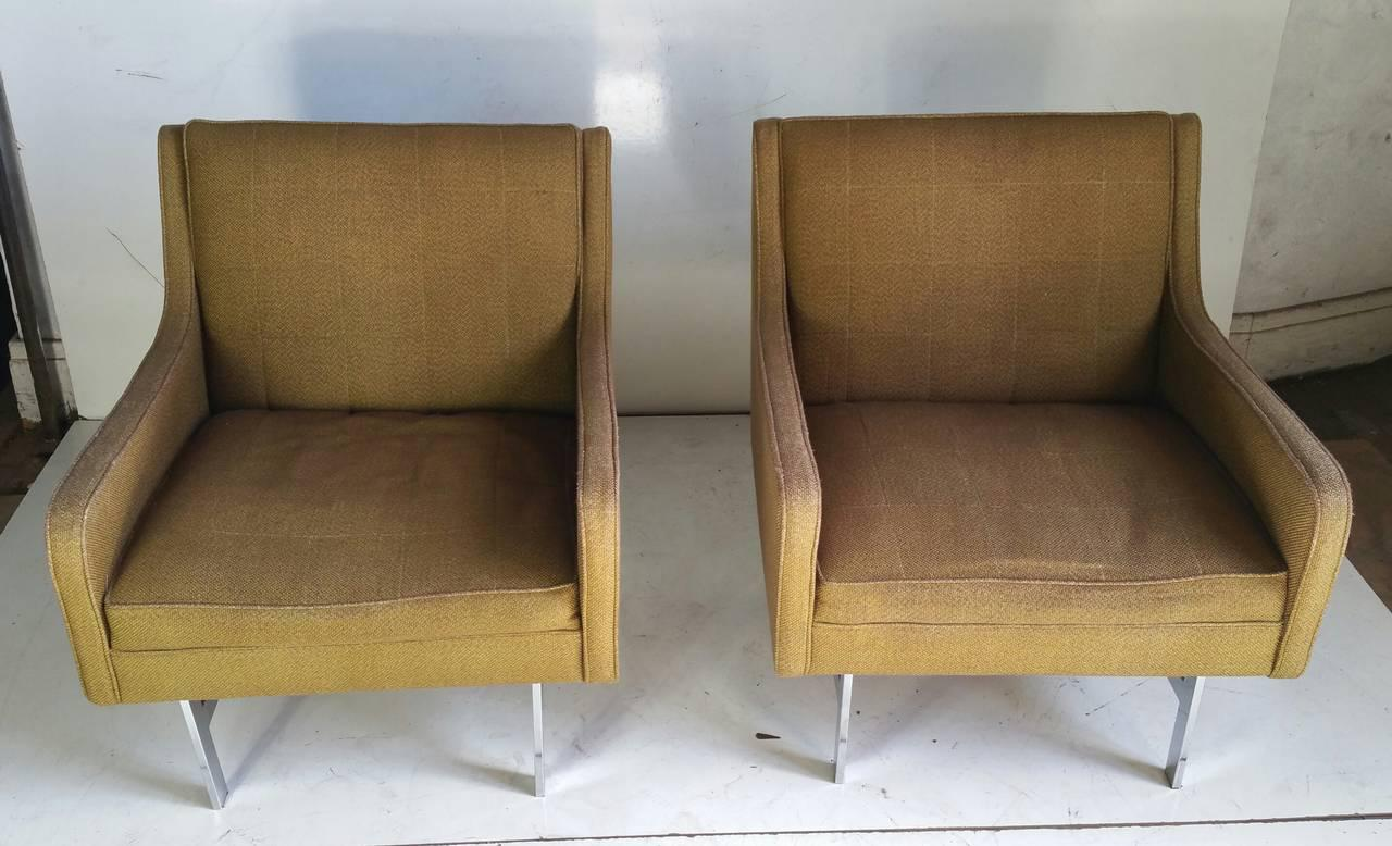 Yellow Modernist Florence Knoll Style Gold Upholstered Lounge Chairs   A  Pair For Sale   Image