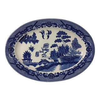 1900s Chinoiserie Navy and White Willow Ceramic Oval Serving Platter For Sale