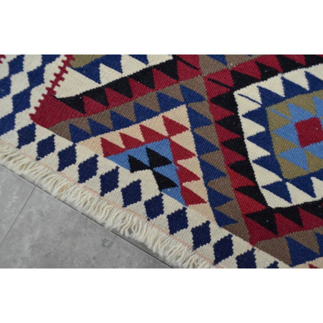 Turkish Kilim Hand-Woven Rug - 4′9″ × 8′2″ - Image 9 of 9