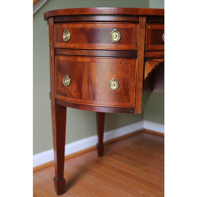 Traditional Hekman Kidney Writing Desk For Sale - Image 3 of 9