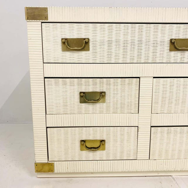 Mid 20th Century Midcentury Hollywood Regency Palm Beach White Wicker & Brass 8-Drawer Campaign Dresser For Sale - Image 5 of 7