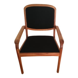 Mid-Century Modern Dining Chair 1-8 Available For Sale
