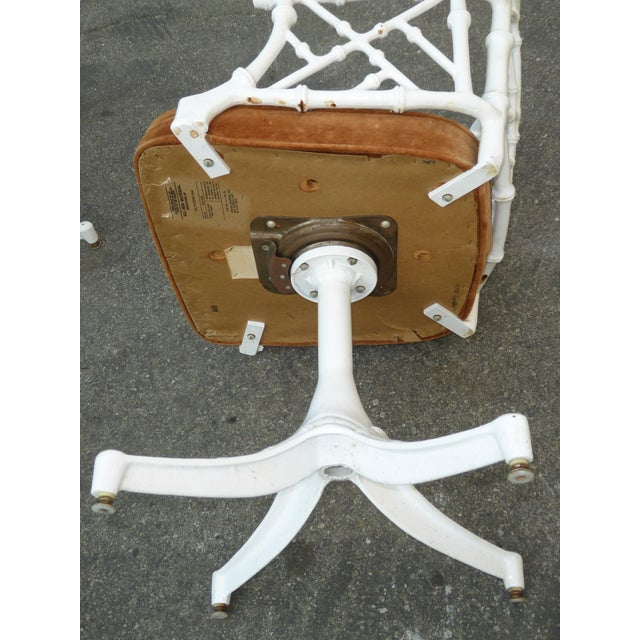 Metal Vintage Mid Century Modern White Faux Bamboo Chinese Chippendale Swivel Chair For Sale - Image 7 of 8