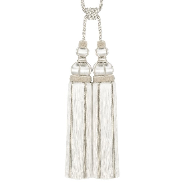 Chic double tassel tieback in tones of White/Ivory. Materials used: 58% Viscose, 26% Wood, 14% Cotton, 1% Wire. Height of...