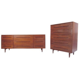 Pair of Widdicomb Bedroom Dressers in the Style of George Nakashima For Sale