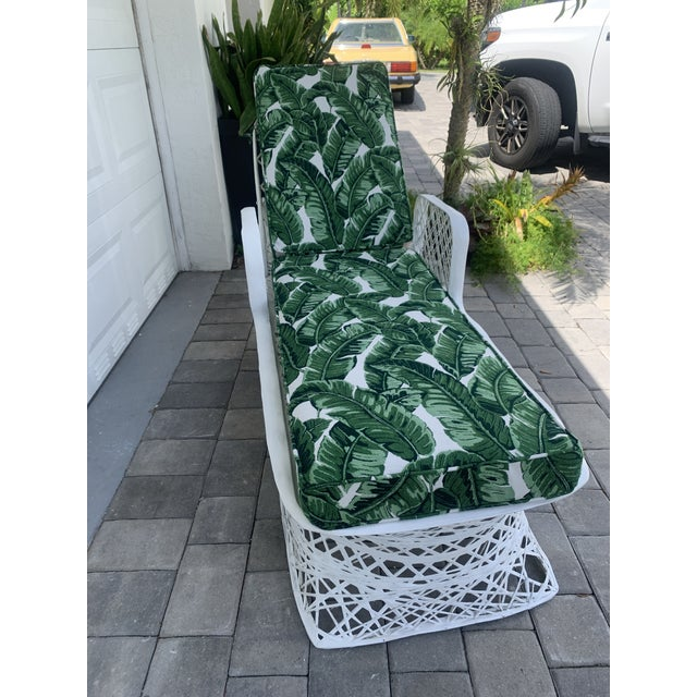 Vintage Russell Woodard Spun Fiberglass Chaise Lounge Chair For Sale - Image 12 of 13