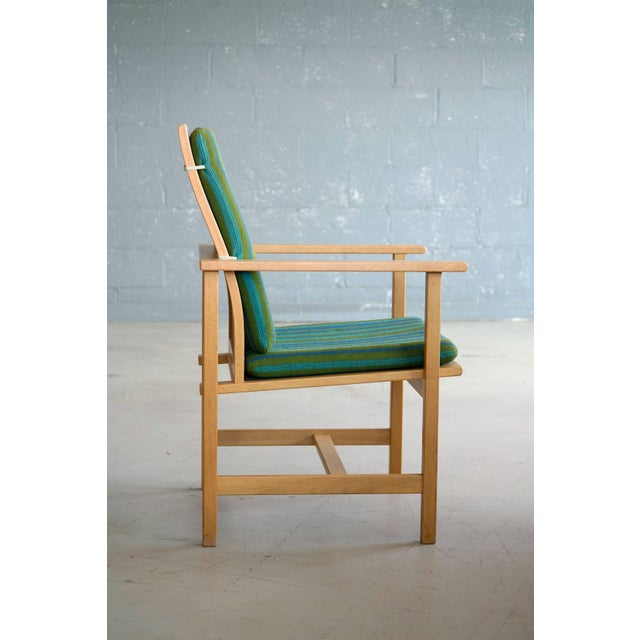 1960s Børge Mogensen Model 2257 Oak Lounge Chair for Fredericia Stolefabrik For Sale In New York - Image 6 of 10