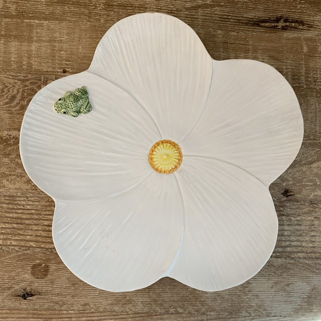 Italian Hand Painted White Ceramic Flower Plate With Frog. Simply charming!marked made in Italy.