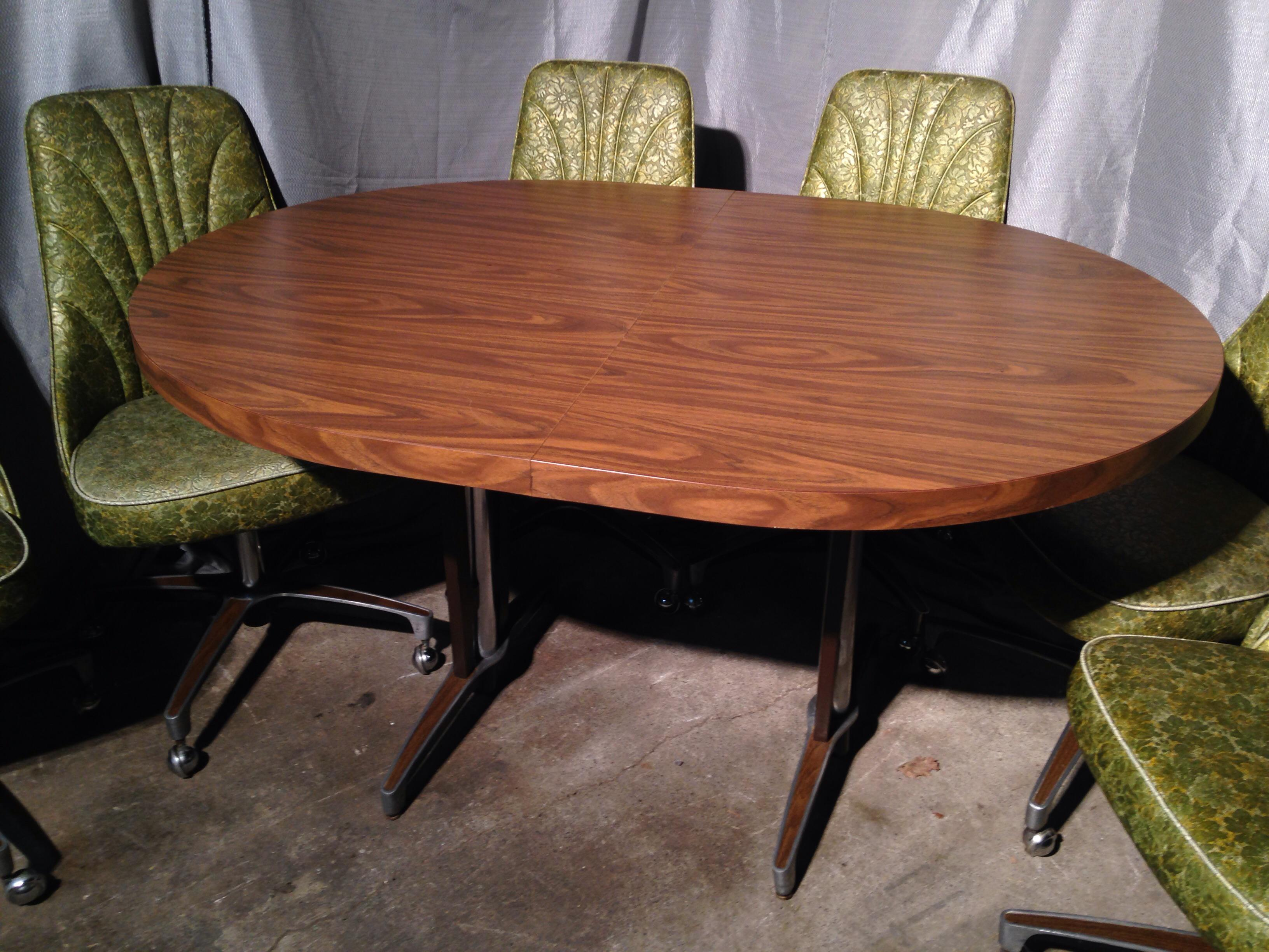 Mid Century Modern Vintage Chromcraft Kitchen Dinette With Six Chairs For  Sale   Image 3