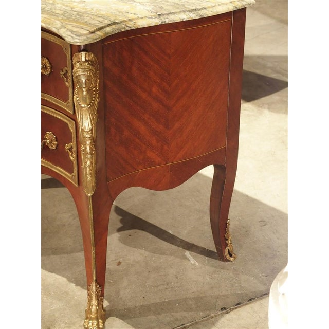 Pair of Early 1900s Mahogany and Gilt Bronze Mounted Louis XV Style Commodes For Sale - Image 4 of 13