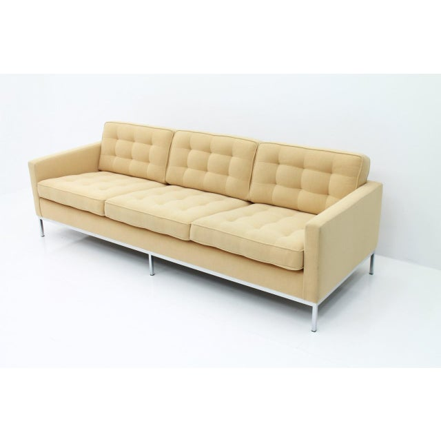 Mid-Century Modern Florence Knoll Sofa for Knoll International For Sale - Image 3 of 11