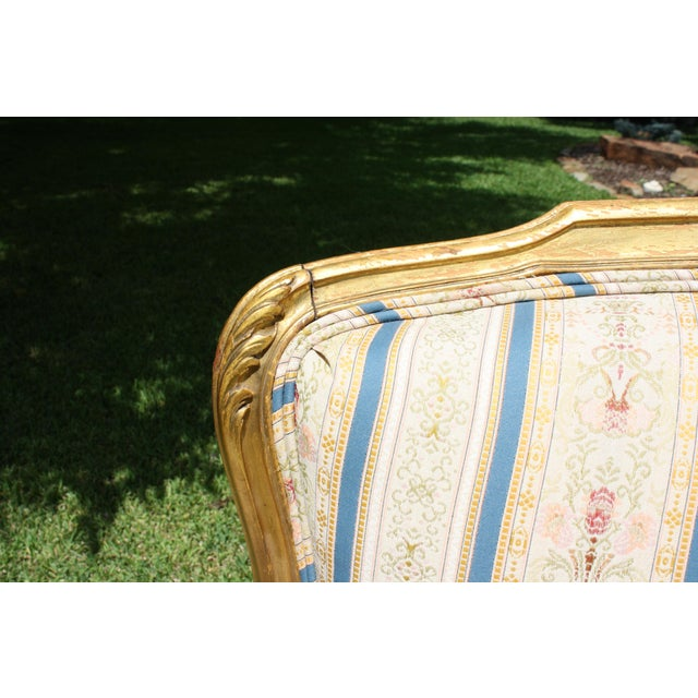 Early 20th Century French Louis XV Style Giltwood Settee - Image 10 of 11